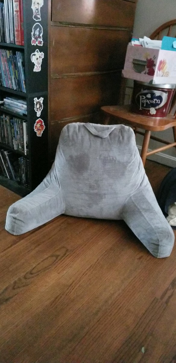 Creepy Ghost Pillow 04252018